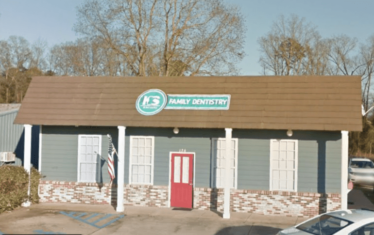 A Family Dentist, Health Care Center, And Other Services En Route - Preschool & Daycare Serving Greenville, AL